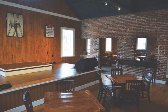 Troubadour Roadhouse and Performance Hall opens in Bearden