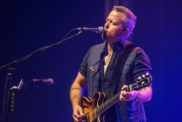 Jason Isbell, Steve Earle rock downtown Knoxville